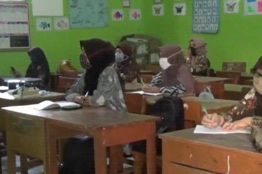 Wapres berharap PPPK benahi persoalan guru honorer secara bertahap