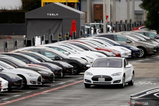 Tesla tarik 870 mobil di China karena atap bisa terlepas