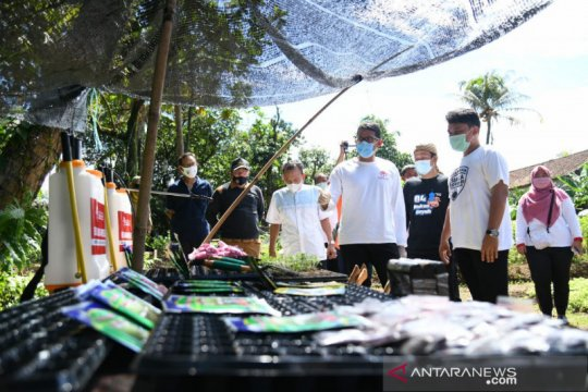 "Sandiaga Uno bantu 10 ribu bibit lele bagi Poktan ""Leuit Jajaka"" Bogor"