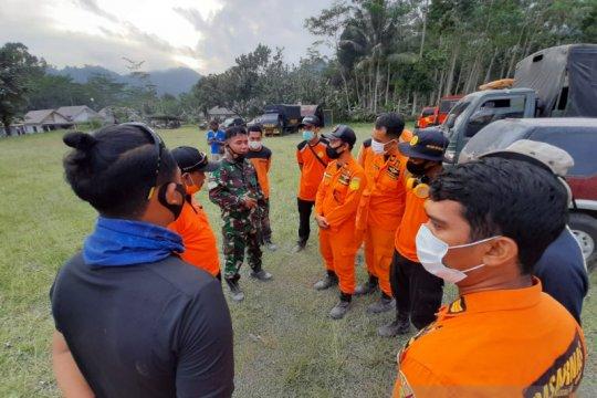 Tim SAR gabungan siaga di wilayah terdampak erupsi Semeru
