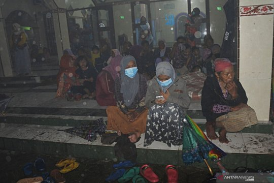 550 warga mengungsi untuk hindari dampak erupsi Semeru