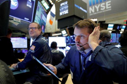 Wall Street dibuka bervariasi di tengah lonjakan COVID AS