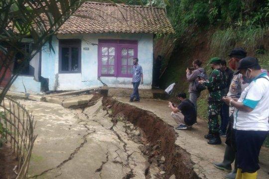 BPBD Banjarnegara ingatkan warga waspada tanah bergerak saat hujan