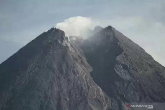 BPPTKG: Sumber tekanan magma Gunung Merapi 1,3 km dari puncak