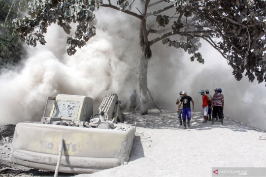 Dampak erupsi Gunung Semeru