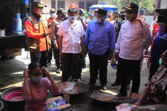 Kepala BNPB tinjau pengungsi  erupsi Gunung Ili Lewotolok