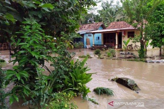 BPBD: Pengungsi banjir Purbalingga tersebar di tiga titik