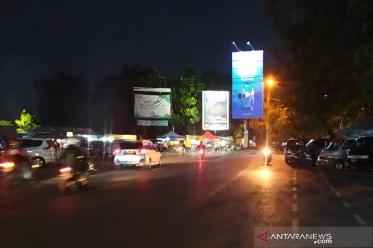 Pemkot Bandung tutup Jalan Dipatiukur karena banyak kerumunan