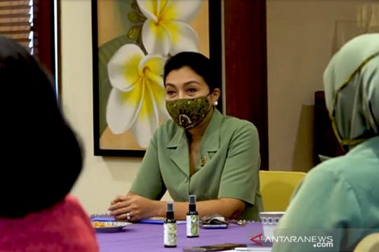 Cegah kanker payudara, Ketum Persit KCK temui Ketua YKPI