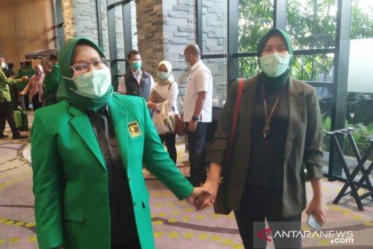 Bupati Bogor dan putrinya jadikan COVID-19 pengalaman berharga