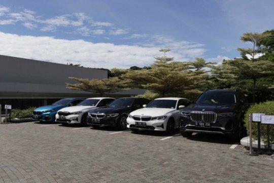 Sedan sampai roadster, BMW klaim punya varian mobil premium terlengkap