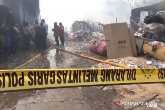 Empat kontrakan dan dua motor terbakar di Jakarta Timur