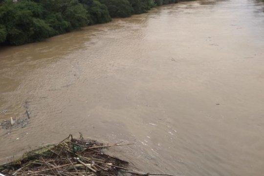 BPBD Lebak berlakukan status awas Sungai Ciujung-Ciberang meluap