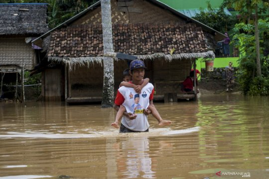 Banjir luapan sungai di Lebak