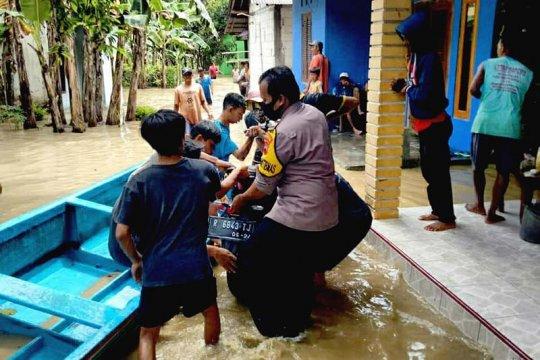 Polresta Banyumas terjunkan personel bantu evakuasi korban banjir