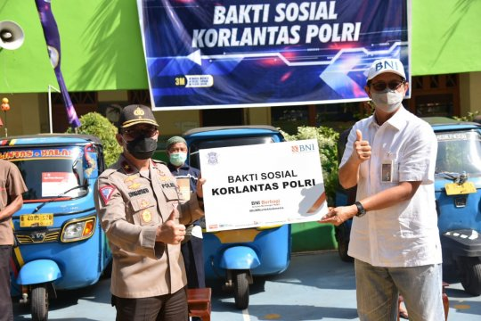 Korlantas Polri gelar baksos untuk supir bajaj Jakarta Selatan