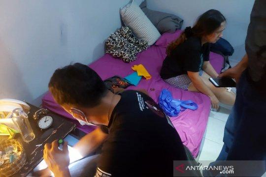 Polisi dalami keterangan artis IBS untuk tentukan status tersangka