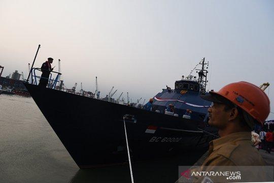 Bea Cukai gagalkan penyelundupan komoditas ilegal saat patroli laut
