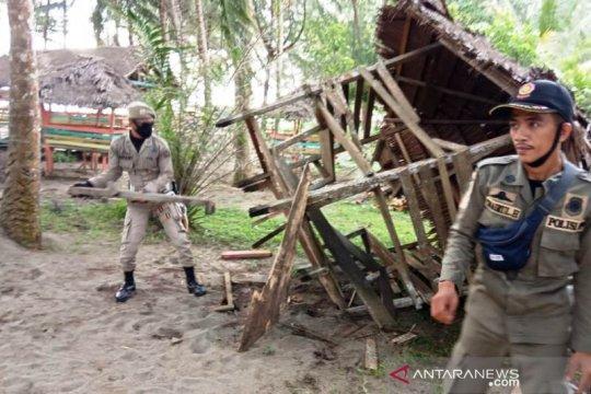 Satpol PP bongkar puluhan kafe remang-remang di Meulaboh Aceh Barat