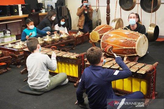 Masa pandemi Covid-19 tidak halangi siswa di Prancis belajar gamelan