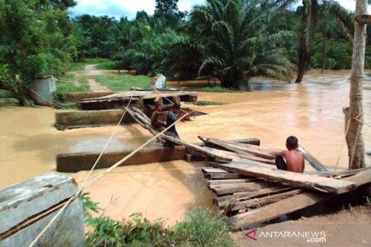 Empat jembatan rusak akibat banjir di Aceh Timur