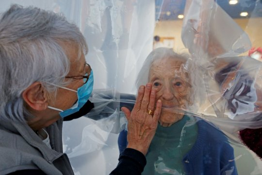 Kasus COVID-19 Prancis naik, jumlah pasien perawatan intensif turun