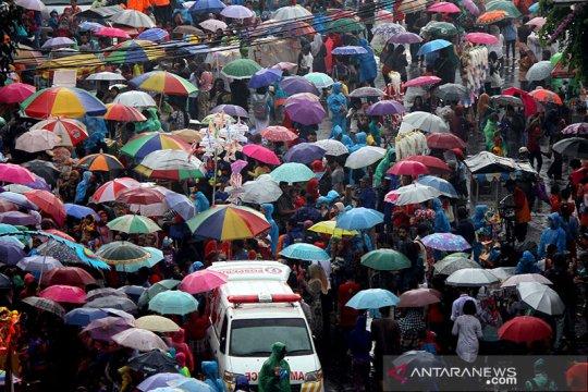 Sebagian kota besar di Indonesia diguyur hujan ringan hingga sedang
