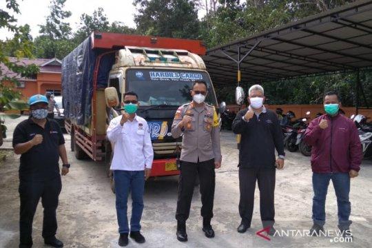 Gelombang tinggi, KPU gunakan pesawat distribusi logistik ke Tambelan