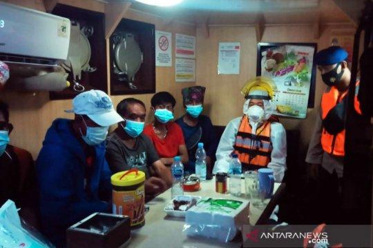 SAR: Tujuh ABK KLM tenggelam di Muara Jungkat selamat