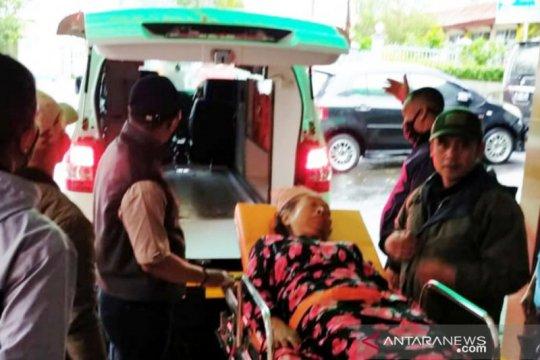 Bogor dikepung bencana angin kencang, longsor, hingga pohon tumbang
