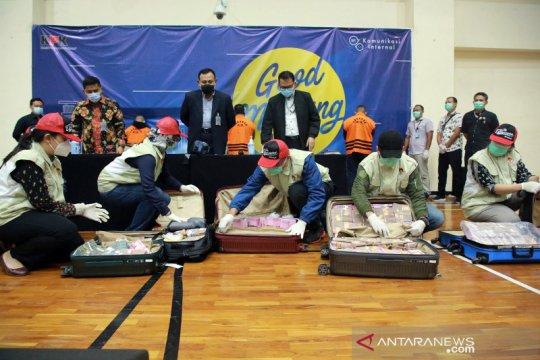 KPK duga Mensos Juliari Batubara terima suap Rp17 miliar