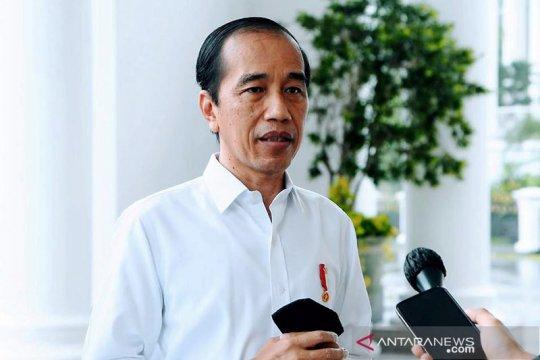 Kemarin, Mensos tersangka korupsi bansos hingga respons Jokowi dan MPR