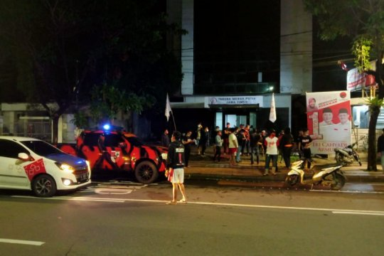 PDIP laporkan penyerangan markas TMP ke Polrestabes Surabaya