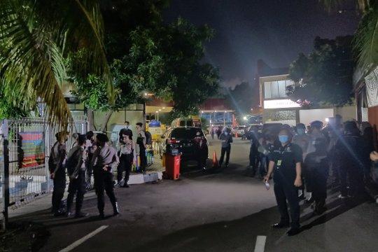 Polisi sterilkan ruang jenazah RS Polri dari kerumunan wartawan