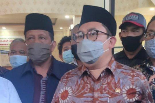 Fadli Zon sambangi RS Polri bersama keluarga pengawal Rizieq