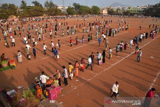 Kasus COVID-19 India turun, seruan untuk penguncian nasional meningkat