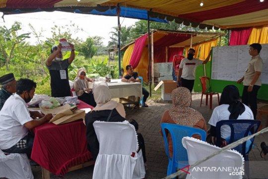 Pilkada Medan, pasangan Akhyar-Salman menang di TPS Aulia mencoblos