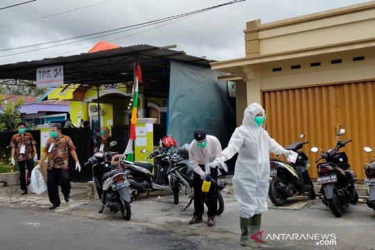 Pilkada Rejang Lebong, Petugas KPPS datangi pemilih positif COVID-19