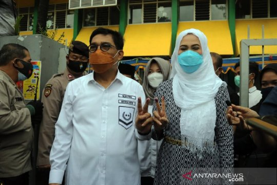 Cawali Surabaya Machfud Arifin gunakan hak pilihnya di TPS 25