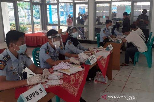 Lapas Rajabasa terapkan prokes bagi warga binaan salurkan suaranya