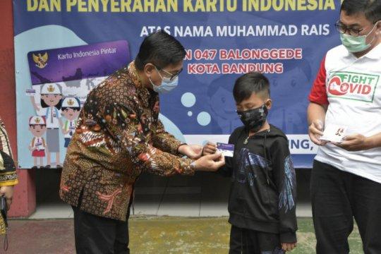 Rais murid pemulung di Bandung peroleh KIP-Simpel dari Kemendikbud