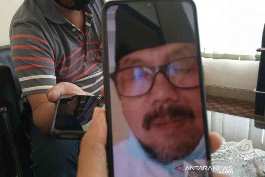 Bupati Cirebon Imron mengaku sehat meski hasil tes usap masih positif