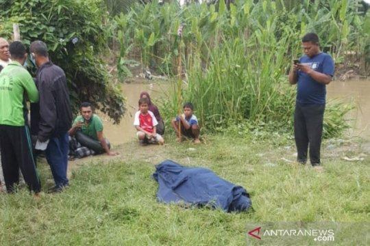 SAR Medan evakuasi jasad terapung di Sungai Belawan ke rumah sakit