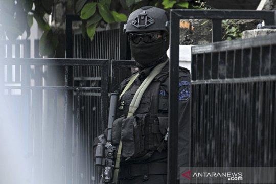 Densus 88 tangkap seorang buronan bom Bali I