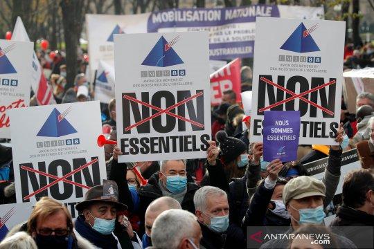 Kasus COVID-19 Prancis meningkat ketika Macron positif corona