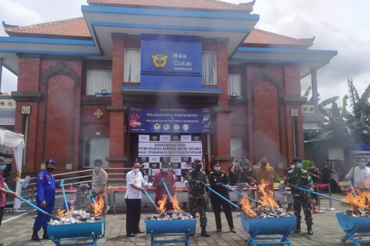 Bea Cukai Denpasar musnahkan barang milik negara senilai Rp1,9 miliar