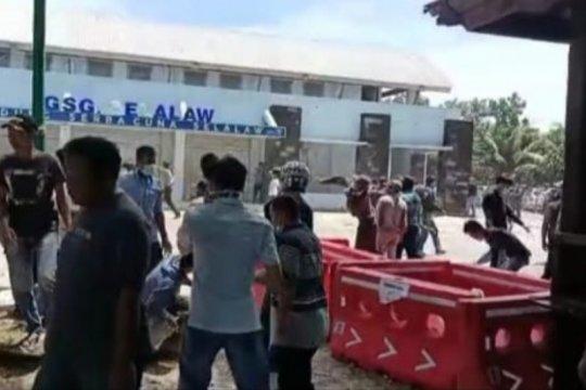Penghitungan suara di Kabupaten Pesisir Barat ricuh
