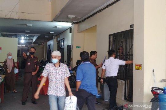 Kejari Padang pindahkan puluhan tahanan pernah reaktif COVID-19