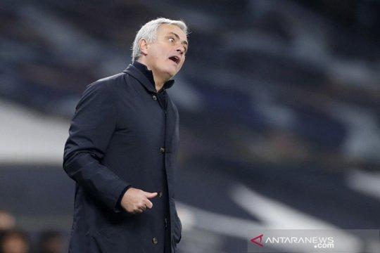 Mourinho tak mau dipusingkan soal statistik penguasaan bola