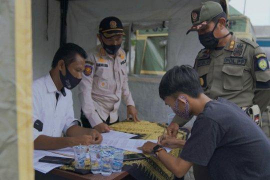 Satpol PP: 156 warga Indramayu terjaring razia protokol kesehatan